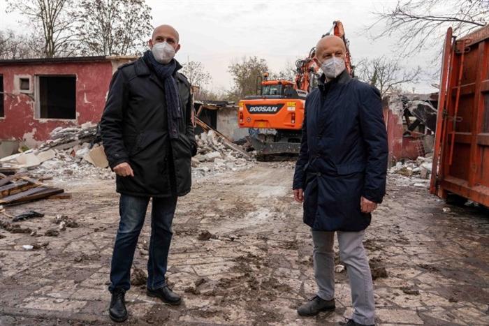 2020.12.15 Casa Alinovi Demolizione Fabbricato w (1).jpg