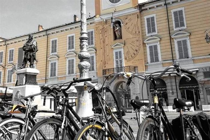 piazza garibaldi bici